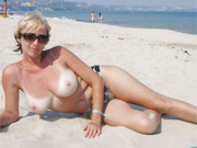 Donne Nude in Spiaggia