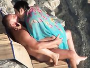 Paio ucraino fa sesso in spiaggia